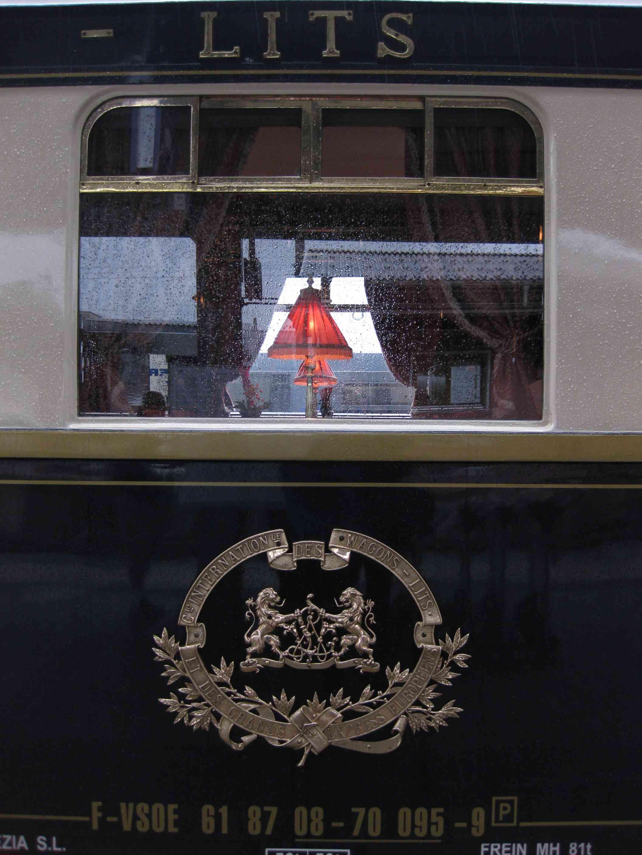 Orient-Express im Bahnhof Innsbruck, Österreich