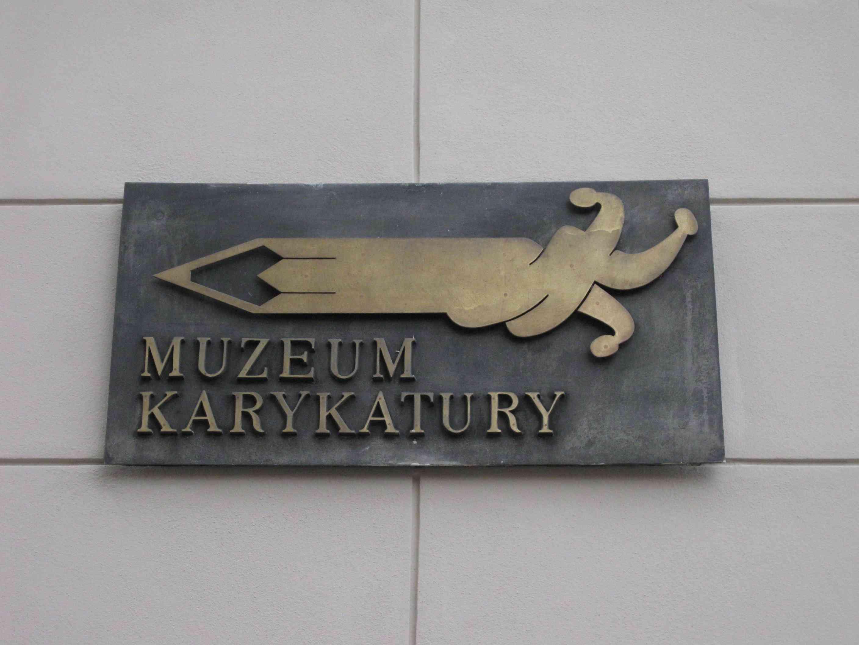 Wegweiser zum Warschauer Karikaturenmuseum
